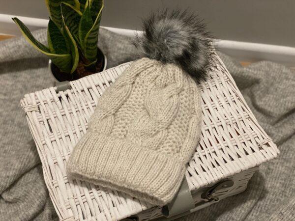 Alpacalma - czapka biała z alpaki