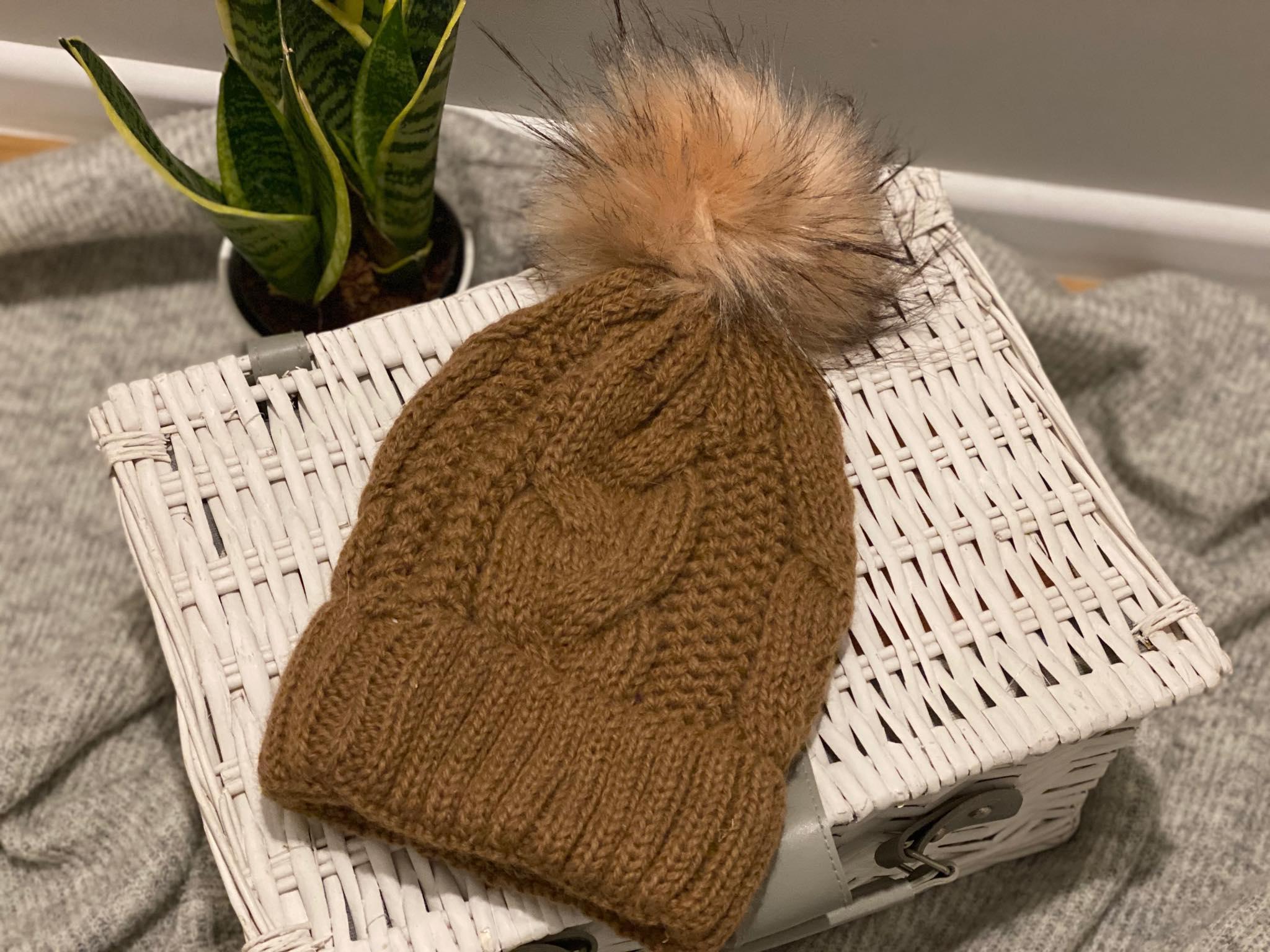 Damska czapka z wełny alpaki (ciemny brąz)
